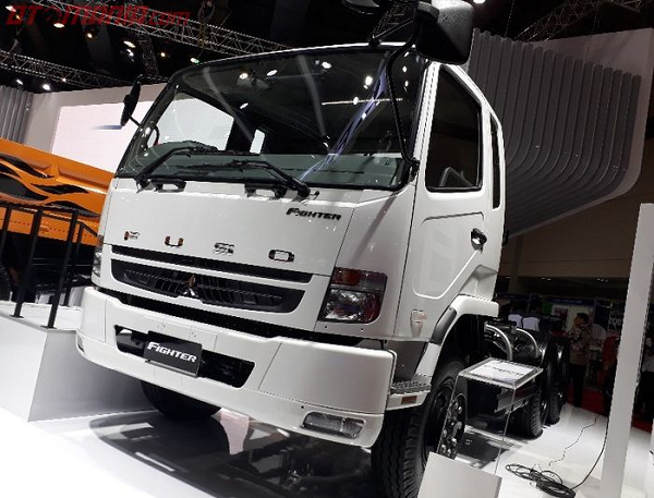 Dealer Mitsubishi di Mojokerto Fuso Fighter 10 Roda FN62F HD 6x4